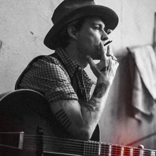 عکس پسر با سیگار و مشروب
