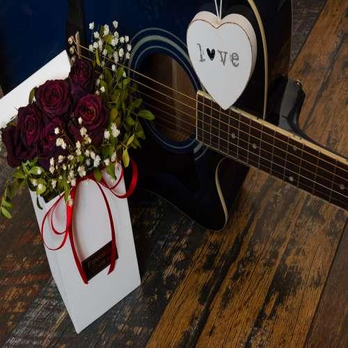 عکس گل رز مشکی قرمز
