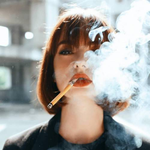 پروفایل دختر سیگار