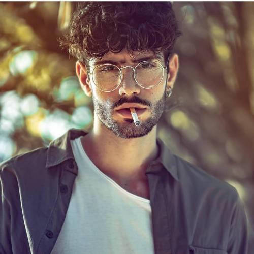 پروفایل پسر سیگار